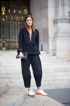 The Paris Way: Fashion Week Street Style Day 8 - Daily Fashion Street Style Vintage, Look Street Style, Street Style 2016, Street Chic, Minimalist Street Style, Street Wear, Gala Gonzalez, Daily Fashion, Fashion Moda