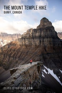 international travel destinations The Mount Temple Hike in Banff National Park . Banffs most epic hike! get the best view of Moraine Lake in the National Park . Things to do in Banff Canada National Parks, Parks Canada, Banff National Park, Moraine Lake, Vancouver, Mochila Herschel, Backpacking For Beginners, Utah, Alberta Travel