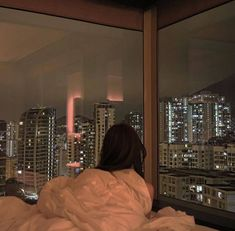 Beautiful cityscape bedroom window view on We Heart It Aesthetic Rooms, Night Aesthetic, City Aesthetic, Aesthetic Fashion, Apartment View, Dream Apartment, New York Life, Nyc Life, City Life