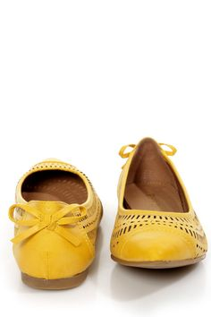 New Wave Yellow Perforated Cap-Toe Pointed Flats Love it!