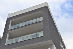 """𝐃𝐞𝐜𝐞𝐛𝐚𝐥 𝐁𝐨𝐮𝐭𝐢𝐪𝐮𝐞 𝐀𝐩𝐚𝐫𝐭𝐦𝐞𝐧𝐭𝐬 𝐁𝐮𝐜𝐮𝐫𝐞𝐬𝐭𝐢, 𝐌𝐮𝐧𝐜𝐢𝐢 :  """"Cel mai înalt standard de calitate- acesta a fost principalul nostru focus în ceea ce privește dotările și finisajele"""" Apartamente 2 si 3 camere:  Tel: 0370509102  #dezvoltatorimobiliar #decebalboutiqueapatments #muncii #apartamente2camere #apartamente3camere    Ansamblul Rezidential - Decebal Boutique Apartments"""