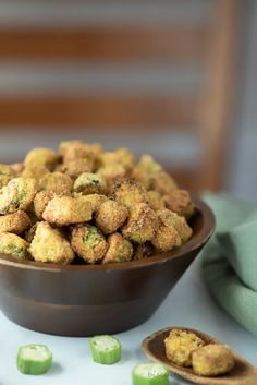 Southern Appetizers, Southern Recipes, Dinner Side Dishes, Dinner Sides, Okra Recipes, Cooking Recipes, Southern Fried Okra, Southern Side Dishes, Pickled Okra