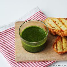 Groene kruidenolie dressing Bbq Marinade, Summer Bbq, Tzatziki, Tortilla Chips, Palak Paneer, Dressing, Ethnic Recipes, Food, Salads