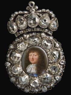 a miniature portrait in enamel depicting Louis XIV, in its original jewelled setting, also called a 'boîte à portrait'. Louis Xiv, Louvre Paris, Miniature Portraits, Miniature Paintings, The Royal Collection, Royal Jewels, Gems Jewelry, Jewellery, France
