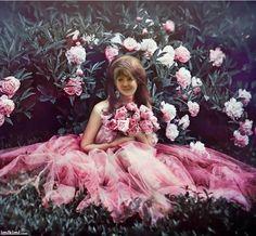 bride in pink Fantasy Photography, Fine Art Photography, Fashion Photography, Surrealism Photography, Nature Photography, Valentine Love, Princess Photo, Pink Princess, Elegant Girl