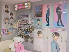 Dream Rooms Bts - Decoration Home Army Room Decor, Bedroom Decor, Dream Rooms, Dream Bedroom, Bts Doll, Army Bedroom, Kawaii Room, Aesthetic Room Decor, Bts Merch
