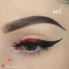Edgy Makeup, Makeup Eye Looks, Eyeliner Looks, Eye Makeup Art, Eyeshadow Makeup, Anime Makeup, Retro Eye Makeup, Perfect Winged Eyeliner, Diy Lipstick