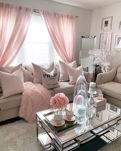Living Room Designs elegant small living room decor ideas for you to get inspired Small Living Room Decor, Pink Living Room, Room Design, Pink Room, Apartment Living Room, Home Decor, Apartment Decor, Classy Living Room, First Apartment Decorating
