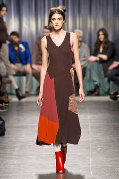 Missoni Fall 2014 Ready-to-Wear Runway - Missoni Ready-to-Wear Collection  red boots
