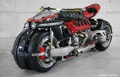 AKARPADINEWS.COM | SULIT membayangkan ada sepeda motor yang bermesin super car. Namun, perpaduan motor dengan mesin mobil super itu bukan mustahil bagi Ludovich Lazareth, kreator dan modifikator asal Perancis.