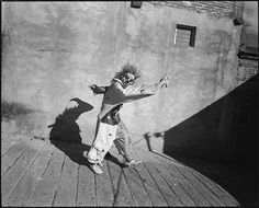 Mary Ellen Mark - Dancing Clown, Carnaval, San Martín Tilcajete, Mexico, 2010