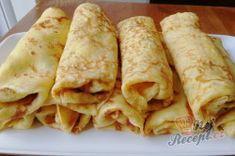 Quark pancakes without flour Top-Rezepte.de - Preparation of the quark pancake recipe without flour, step 3 - Pizza Recipes, Gluten Free Recipes, Vegan Recipes, Dessert Recipes, Quark Recipes, Recipe Without Flour, Low Carb Crepe, Cake Preparation, Easy Meals