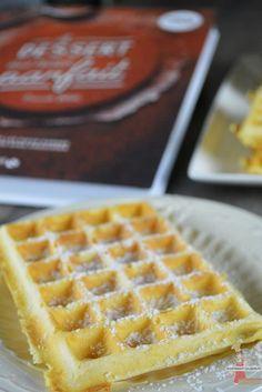 La gaufre parfaite Make a fairground waffle to taste it! – The perfect waffle – Lolibox – Cooking recipes Vegan Dessert Recipes, Vegan Breakfast Recipes, Cookie Recipes, Snack Recipes, Snacks, Superfood, Homemade Waffles, Seafood Appetizers, Waffle Recipes