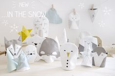 In the Snow Christmas Calendar. A fun variation where you put small things in the bags with numbers on. When the package is then opened, turn the bag inside out and a small snowy landscape with figures begin to take shape.