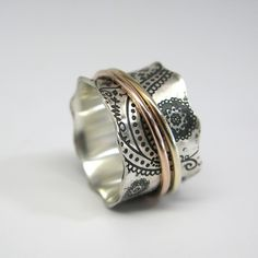 Items similar to Paisley Vintage Inspired Sterling Silver and Gold Spinner Ring on Etsy Jewelry Box, Jewelry Rings, Silver Jewelry, Jewelry Accessories, Jewelry Design, Jewelry Making, Unique Jewelry, Silver Ring, Unique Rings