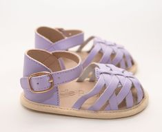 Our Eleanor lilac mist, perfect shoe for spring, now on sale $29.90 #sadiebabyshoes available in size 2,3 & 4 (size 5 sold out) Baby Girl Sandals, Toddler Sandals, Girls Sandals, Baby Shoes, First Walkers, Baby Girl Fashion, Baby Accessories, Leather Sandals, Soft Leather