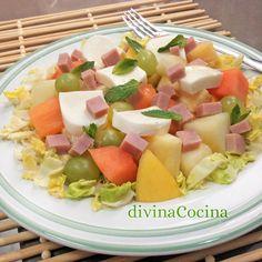 Ensalada de fruta con mozzarella y jamón