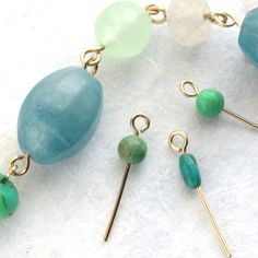 Learn my top tips for getting perfectly uniform simple wire loops and see a free preview lesson from Wire Wrapping for Beginners!