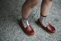 "【Gentlewomen紳士女生】 PENNY經典固特異樂福鞋 http://farm1.staticflickr.com/503/19496175005_c08c30341e_o.jpg **""為了回味六○年代美國大學學生流行將一分錢硬幣(penny)塞入沒有鞋帶的樂福鞋(loafer)鞋面前飾片..."