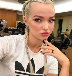 """Dove Cameron on Jennifer Yepez posted on her Instagram."""" Mornin looks☕️ Makeup @makeupvincent Nails @nailsbymarysoul Braids by #jenniferyepez"""