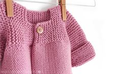 Knitted Baby Cardigan – PINK LADY – Here is a darling little sweater with very unique construction method. Lots of fun to knit! Baby Cardigan Knitting Pattern Free, Knitted Baby Cardigan, Knit Baby Sweaters, Toddler Sweater, Cardigan Pattern, Easy Knitting, Pink Lady, Cardigan Bebe, Pull Bebe