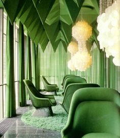 """Living Room. Pantone 2013 Color of the Year: 14 Emerald Green Rooms #homedecor - This is something out of the """"Wizard of Oz"""""""