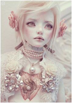 Bluoxyde - One of my favorite BJD artists. Pretty Dolls, Beautiful Dolls, Enchanted Doll, Creepy Cute, Doll Repaint, Custom Dolls, Ooak Dolls, Ball Jointed Dolls, Doll Face