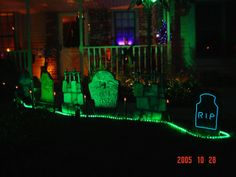 You Can Save Money by Making Your Personal Halloween Decorations - News - Bubblews