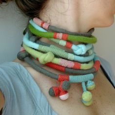 fibrearts: Felted and Crocheted Necklace Set;...