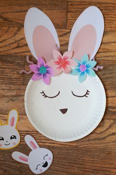 Easter Bunny Paper Plate Craft - - It's no secret that in this house, we love making Easter crafts. We especially love super cute bunny crafts! Today we made this adorable bunny using a paper plate. Easter Arts And Crafts, Paper Plate Crafts For Kids, Spring Crafts For Kids, Bunny Crafts, Easter Crafts For Kids, Toddler Crafts, Preschool Crafts, Paper Easter Crafts, Easter Egg Hunt Ideas