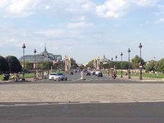 Ohhh #ChampsÉlysées au soleil, à midi we're headed for you!