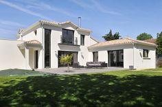 ... moderne, notamment dans les toitures, il est parfaitement possible d'associer un toit plat à une partie de toit en double pente. La maison contemporaine ...
