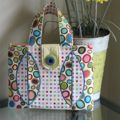 Opposites Attract Tote + Raw Edge Applique Video Tutorial #sewing #quilting #applique