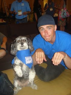 LOL... This is Eric (from @NaturalBalance) posing with My Favorite Pup Jasmine.  Who does this trick better??  ;)