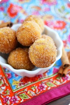 The Comfort of Cooking: Baked Apple Cider Donut Holes Apple Cider Donut Holes Recipe, Apple Cider Donuts, Apple Recipes, Pea Recipes, Donut Recipes, Healthy Recipes, Baked Apples, Pasta, Just Desserts