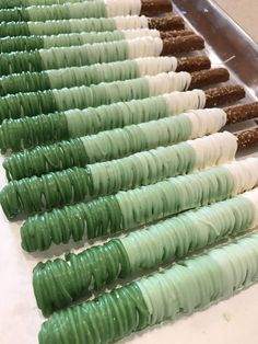 Wedding Favors - Green Ombre Chocolate Covered Pretzel Rods Shades of Green Dipped Pretzel Rods, Chocolate Covered Pretzel Rods, Chocolate Covered Treats, Chocolate Dipped Pretzels, Pretzel Sticks, Coconut Hot Chocolate, Green Party, Food Allergies, Clean Eating Snacks