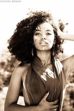 Jaz Sinclair Black Is Beautiful, Gorgeous Women, Tribal Face Paints, Jaz Sinclair, Curly Hair Styles, Natural Hair Styles, Ebony Beauty, People Photography, Woman Crush