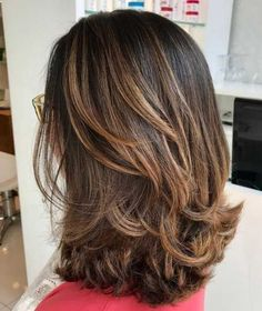 Best Gorgeous Lovely Layered Hairstyles Design For Medium Lenth Hair Women 2019 - Page 14 of 52 Best Gorgeous Lovely Layered Hairstyles Design For Medium Lenth Hair Women 2019 - Page 14 of 52 - Marble Kim Design SEE DETAILS. Medium Lenth Hair, Medium Layered Hair, Medium Hair Cuts, Haircut Medium, Layered Bobs, Haircuts For Long Hair Straight, Straight Bangs, Mid Length Hair With Layers, Medium Hair Styles With Layers