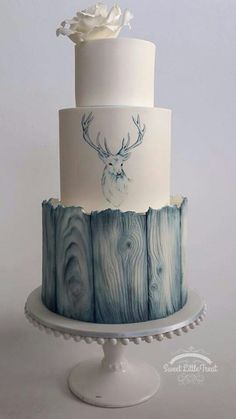 Probably one the most beautiful cakes I've ever seen. I'm in love with a cake. Fancy Cakes, Cute Cakes, Pretty Cakes, Unique Cakes, Creative Cakes, Gorgeous Cakes, Amazing Cakes, Deer Cakes, Occasion Cakes