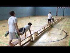 Langbänke- Sportunterricht - YouTube Home Games For Kids, Physical Activities For Kids, Motor Skills Activities, Physical Education Games, Outdoor Activities For Kids, Gross Motor Skills, Zumba Kids, Kids Gym, Exercise For Kids