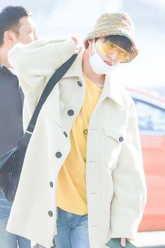 Airport Style, Airport Fashion, Profile View, Kim Hanbin, Ikon, Cool Photos, Singer, Freedom, Flowers