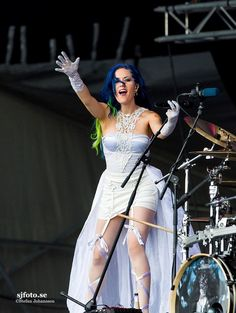 This gown(? Chica Heavy Metal, Heavy Metal Girl, Gothic Metal, Gothic Rock, The Agonist, Alissa White, Women Of Rock, Arch Enemy, Extreme Metal