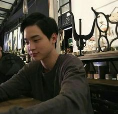 Korean Male Actors, Asian Actors, Kim Sohyun, Hyun Bin, Drama Movies, Poem A Day, Lady And Gentlemen, Boyfriend Material, Cute Guys