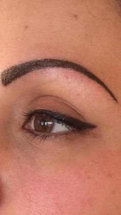 My work:) tattooed eyebrows and eyeliner:) Goth Eyebrows, Thin Eyebrows, Tattooed Eyebrows, Tatoo Eyeliner, Eyebrow Tattoo, Eyebrow Pics, Permanent Eyeliner, Permanent Tattoo, Henna