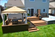 Patio Plus – patio with integrated spa - Home & DIY Gazebo On Deck, Backyard Pergola, Hot Tub Backyard, Cheap Pergola, Pergola Ideas, Patio Plus, Whirlpool Deck, Hot Tub Deck, Diy Terrasse