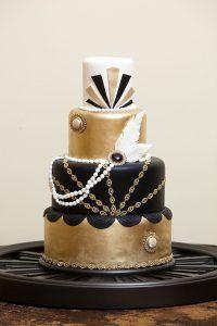Gold, black and white Great Gatsby/art deco wedding cake