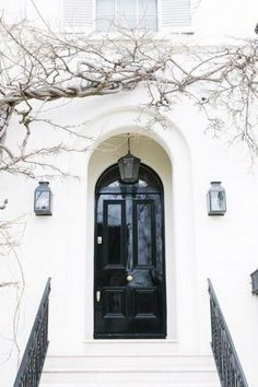 Ideas For Exterior Facade Black Doors The Doors, Windows And Doors, Front Doors, Front Entry, Grand Entrance, Entrance Doors, Design Exterior, Interior And Exterior, Black Exterior