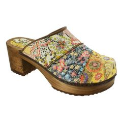 Sanita Daisy Wood Block Open Clogs in Yellow - Factory Sanita Clogs, Wooden Clogs, Pretty Shoes, Your Shoes, Fashion Shoes, Cute Outfits, Daisy, Purses, Shoe Bag