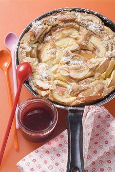 Un gâteau à base de crêpes et de pommes pour le goûter.