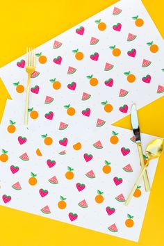 Protect your table and make dinner clean up a breeze with these free printable summer fruit placemats. Perfect for summer parties and bbqs! by Sarah Hearts